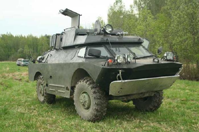 В Череповце задержали водителя без прав на броневике