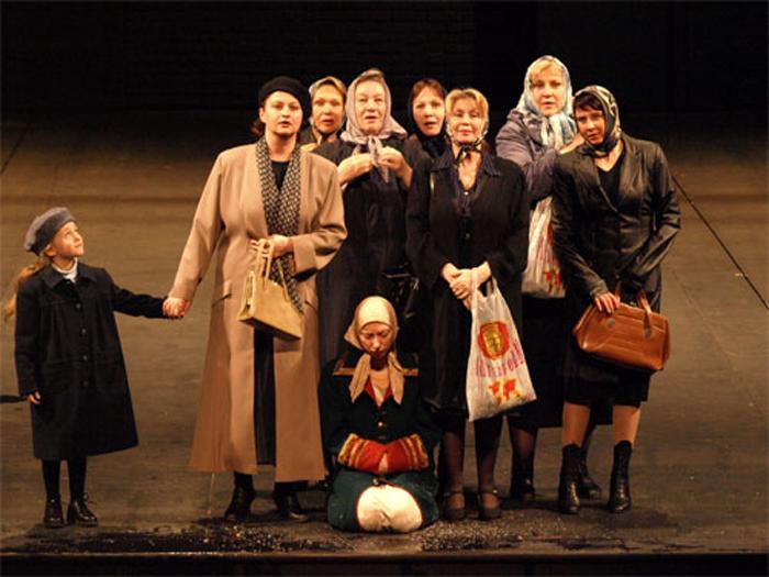 Актеры Александринки выйдут на подмостки «Голосов истории» даже в непогоду