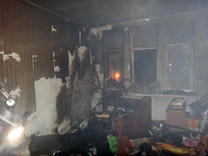 Депрессивная череповчанка  подожгла квартиру и напала на мать