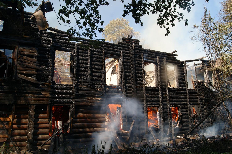 Вологодские градозащитники требуют привлечь к ответственности инвестора  за пожар в  Доме со штурвалами