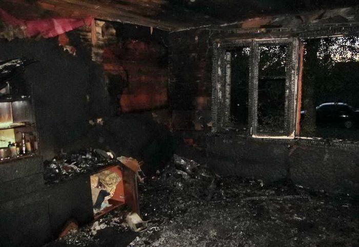 Мать малыша, погибшего на пожаре в Устюжне, была пьяна