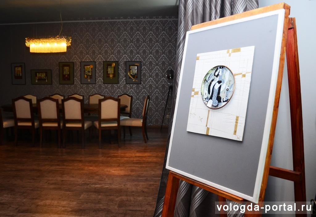 Выставка эмалей художника Владимира Кордюкова открылась в Вологде