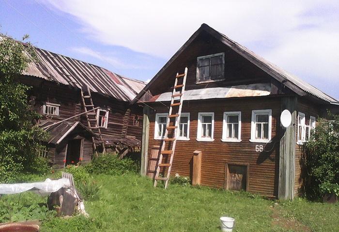 В Вологодской области дом загорелся от удара молнии