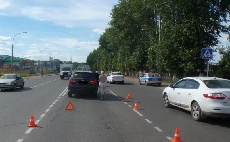 В Вологде пьяный скутерист без шлема столкнулся с автомобилем