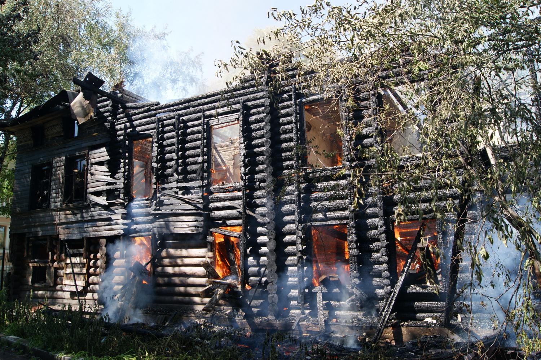 Возбуждено уголовное дело по факту поджога дома со штурвалами в Вологде