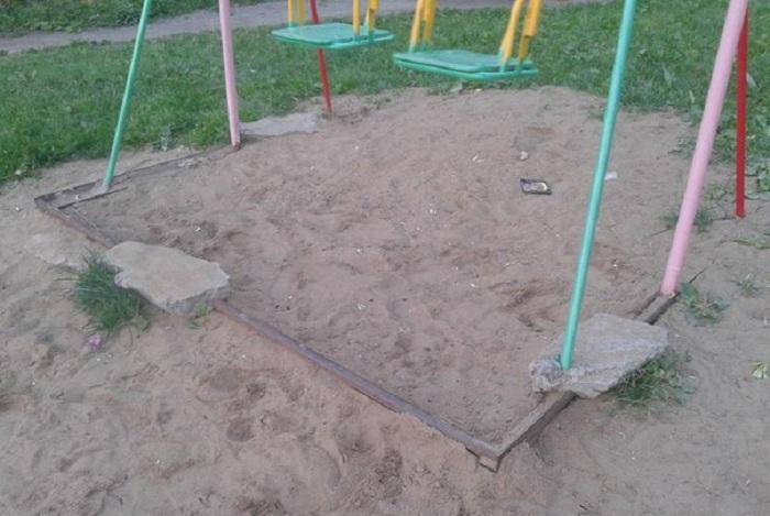 После фоторепортажа в интернете проверкой детских площадок в Вологде занялась прокуратура