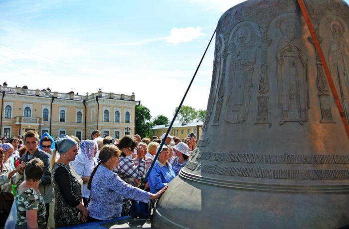 Главный колокол Александро-Невской лавры вызвал ажиотаж среди вологжан