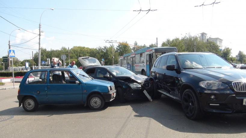 Маленький ребенок пострадал в ДТП в центре Вологды