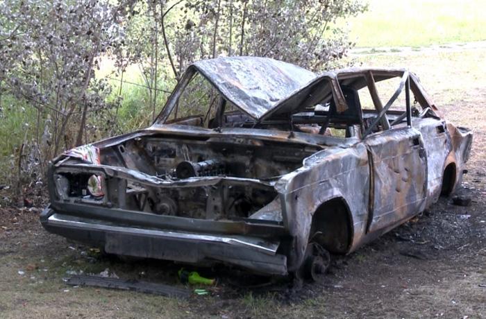 В Вологде подростки угнали автомобиль и сожгли его