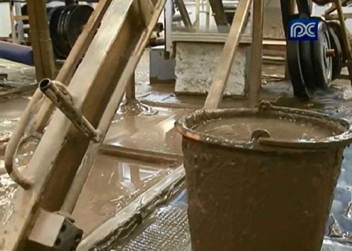 В Вологде спортивный клуб в школьном подвале утонул в грязи из-за бездействия коммунальщиков