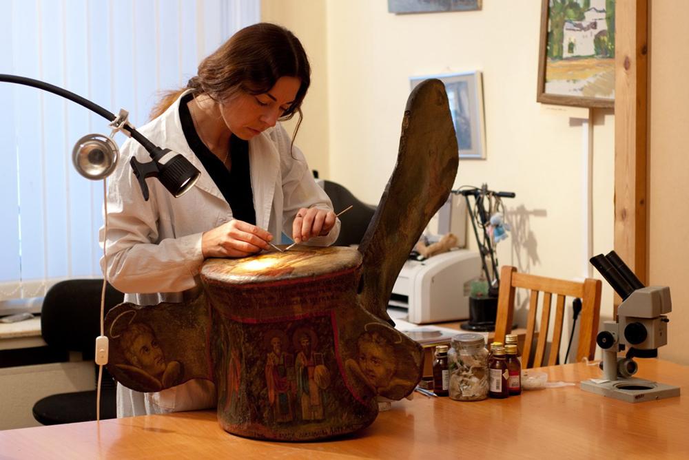 Икона, выполненная на позвонке кита, отправится в путешествие по северу России