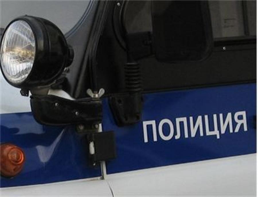 Машина с полицейскими перевернулась из-за пьяного мотоциклиста в Вологодской области
