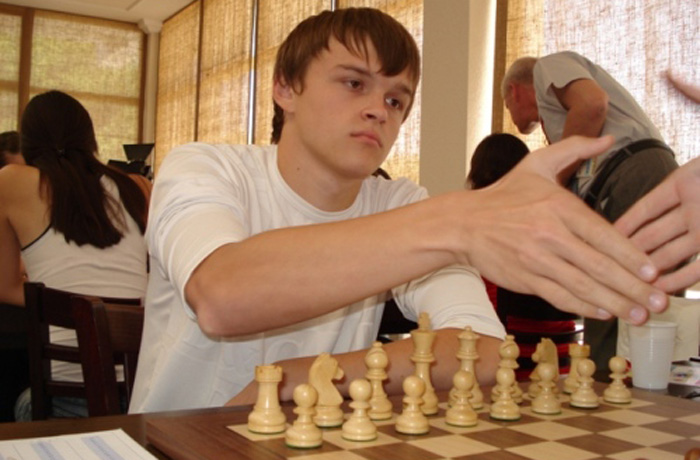 Череповчанин победил на международном шахматном фестивале в Абу-Даби