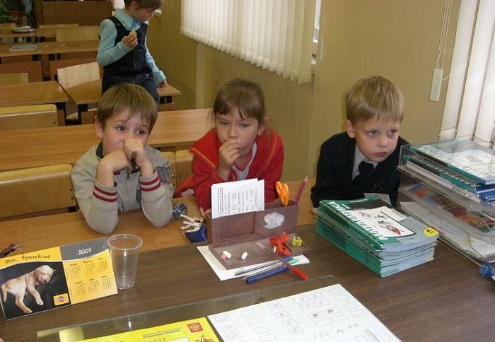 Школьная коллизия: «продленки» в некоторых школах Вологды платные, а в Череповце - все бесплатные