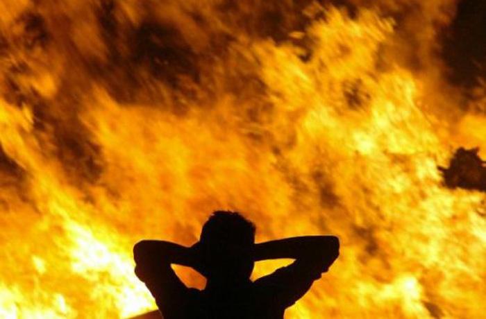 Череповчанин поджег подругу лосьоном, который та собиралась выпить