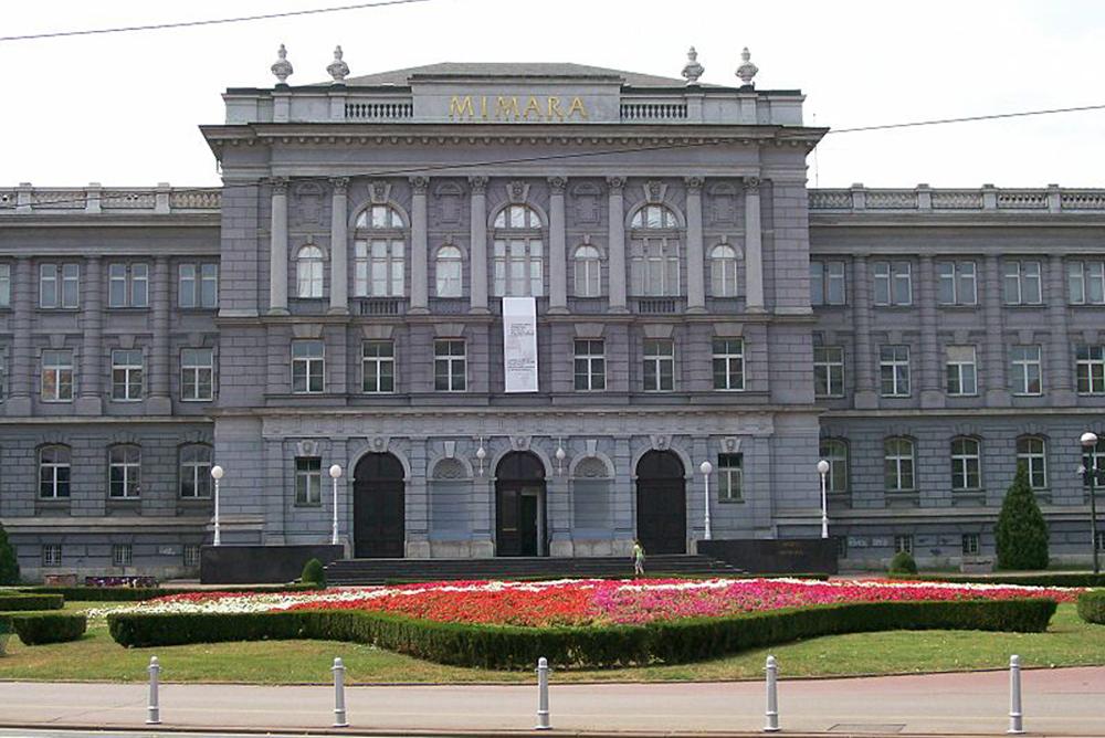 В хорватском музее перекрасили стены в белый цвет, чтобы показать вологодское кружево