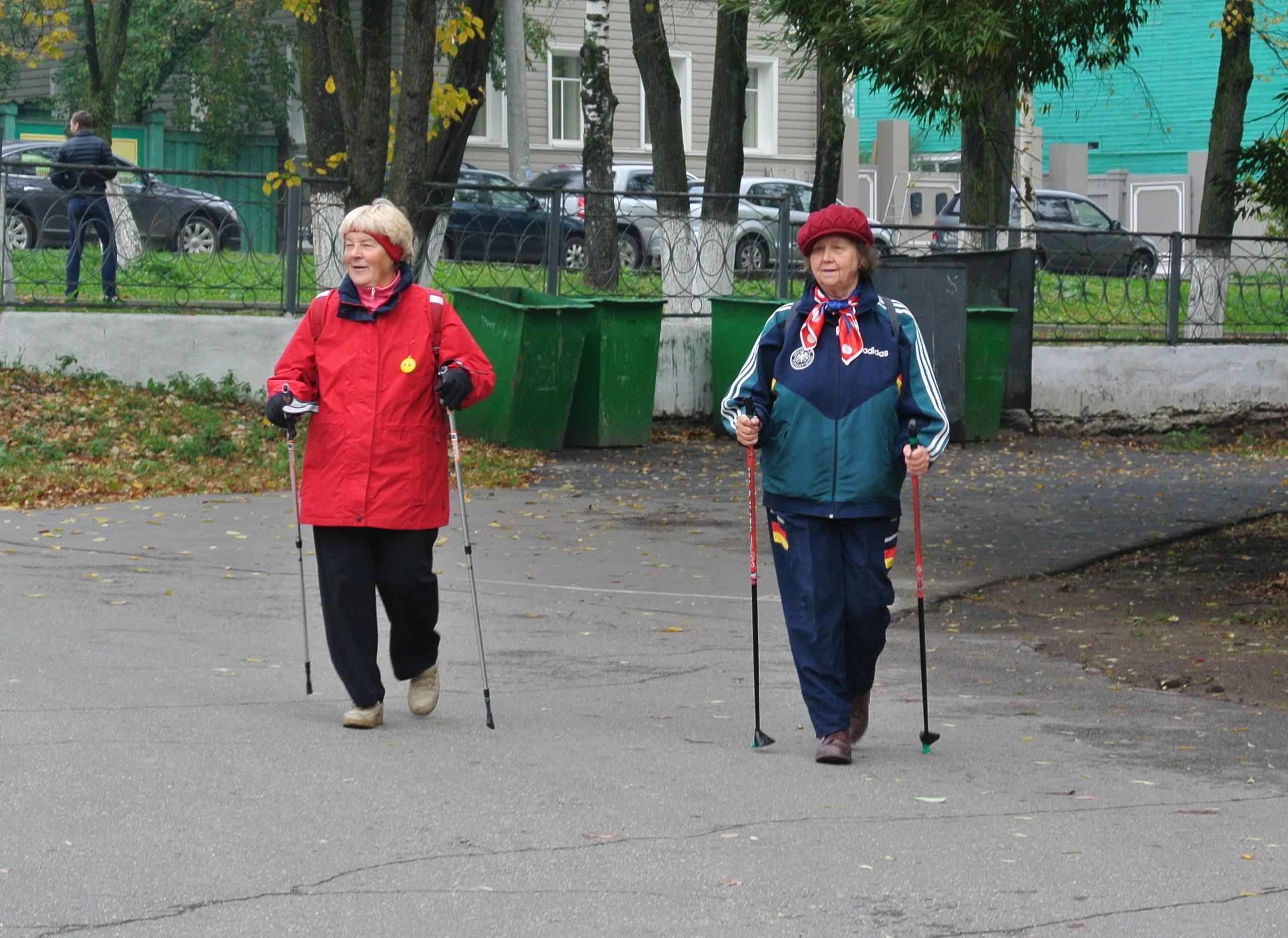 В Вологде  прошёл мастер-класс по скандинавской ходьбе