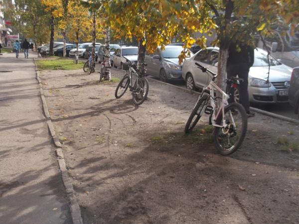 Куда делась велопарковка?