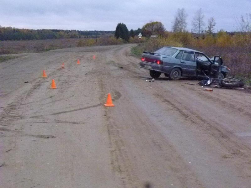 В Вологодской области из-за пьяного водителя без прав попал в реанимацию мотоциклист