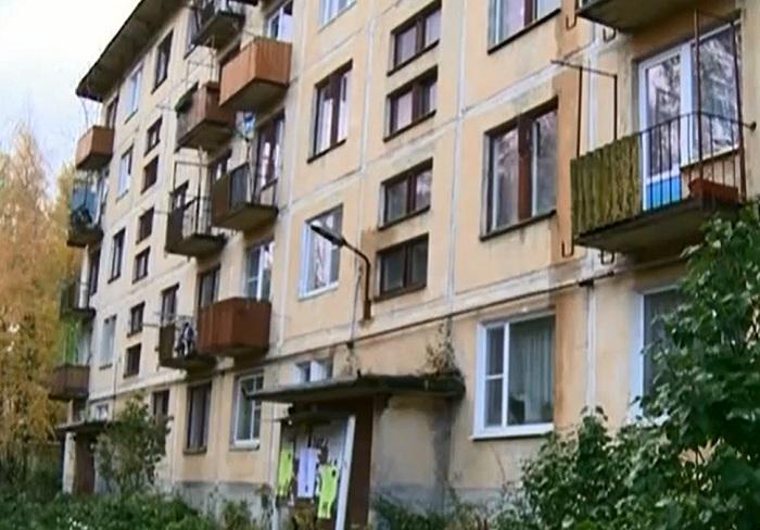 Жители трех домов в вологодском поселке Огарково до сих пор живут без горячей воды и отопления
