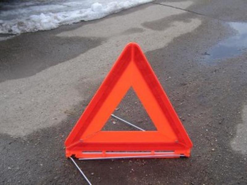 Женщину с ребёнком сбили на тротуаре в Вологде