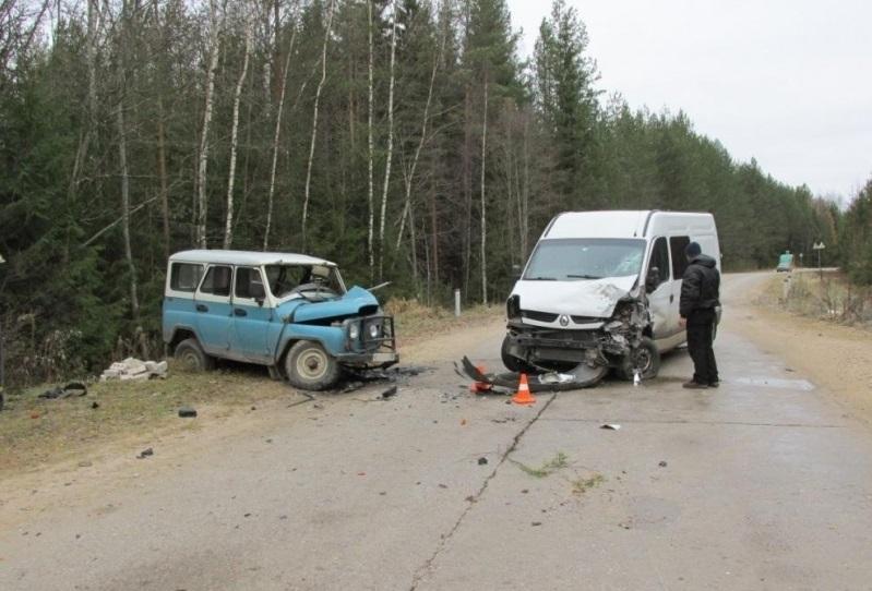 ДТП с микроавтобусом в Кадуйском районе: один человек погиб, трое пострадали