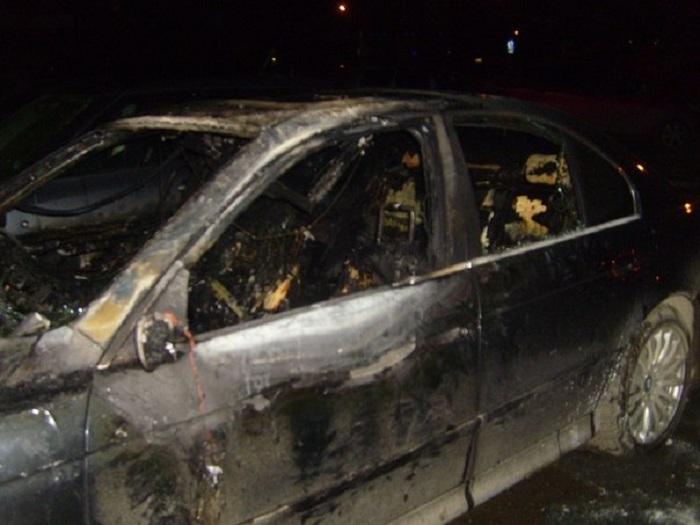 В Череповце от поджогов пострадали четыре иномарки