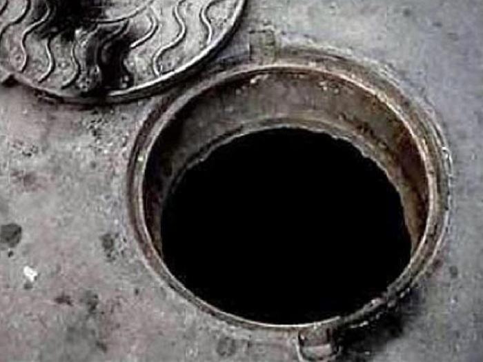 Вологжанин украл канализационные люки, чтобы доехать до места собеседования на работу