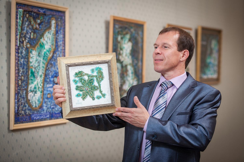 В Вологде дворник нашла у мусорных баков 6 тысяч евро и вернула их владельцу