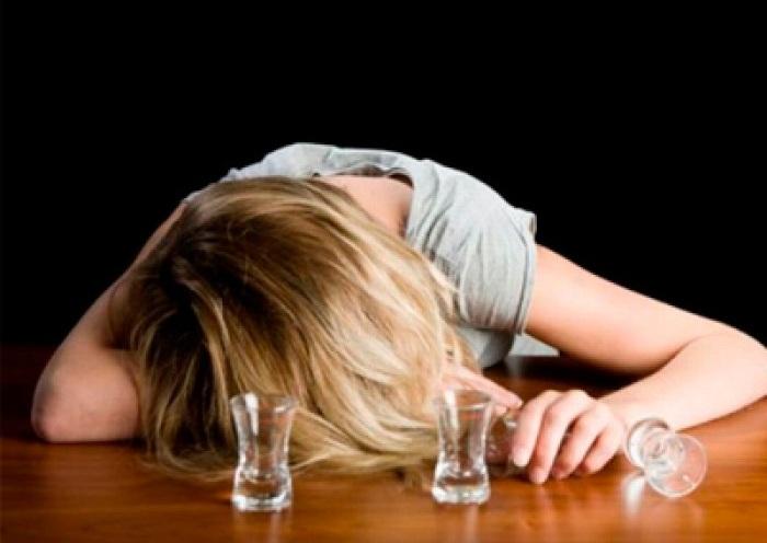 Пьяная череповчанка забыла в гостях двухлетнюю дочь