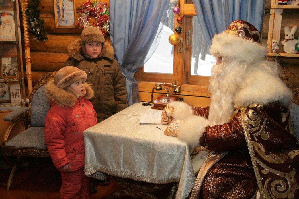 """ФАС проверит на этичность рекламу со словами """"Деда Мороза нет"""""""