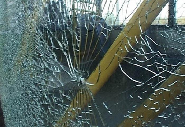 В Вологде разозленный водитель разбил стекло пассажирского автобуса