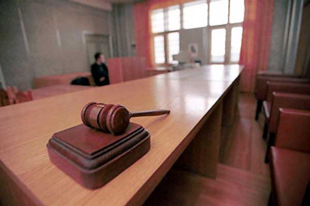 Мужчину, насмерть сбившего многодетного отца в Вологодской области, приговорили к условному сроку