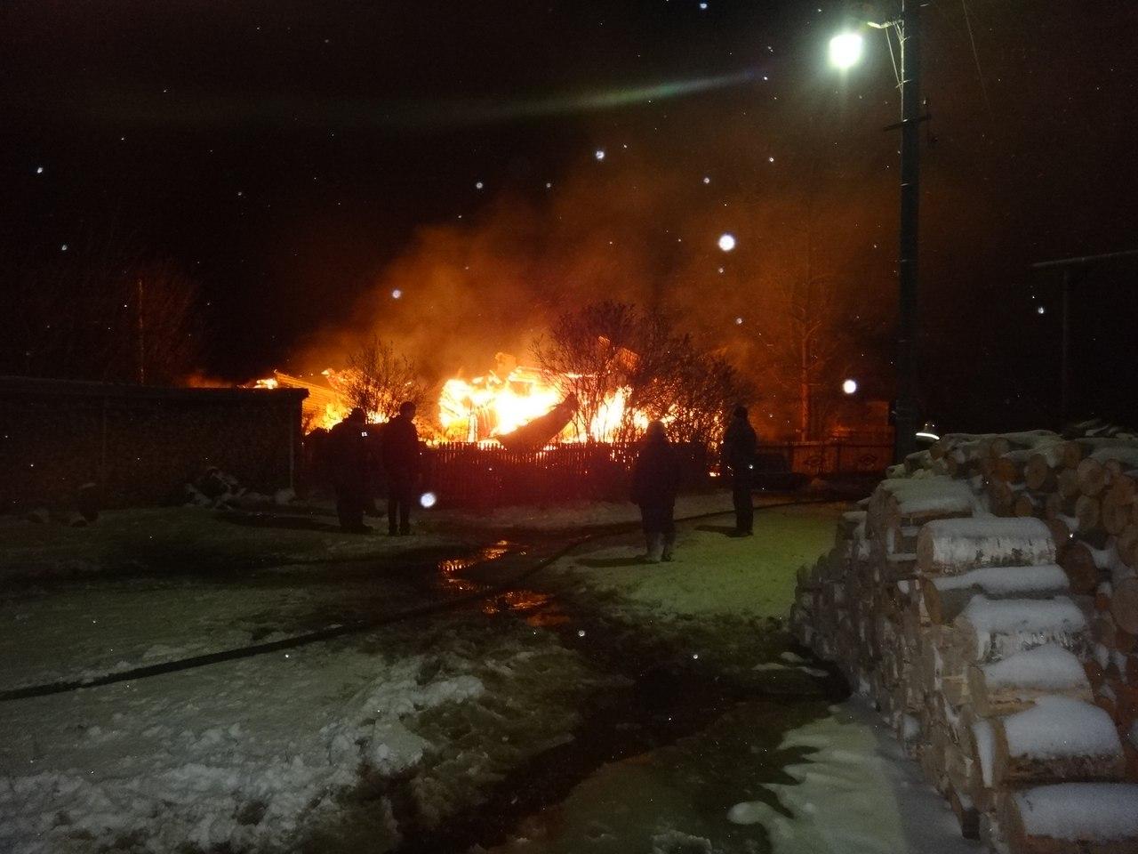 Ветеран войны потерял два дома из-за пожара в Череповецком районе