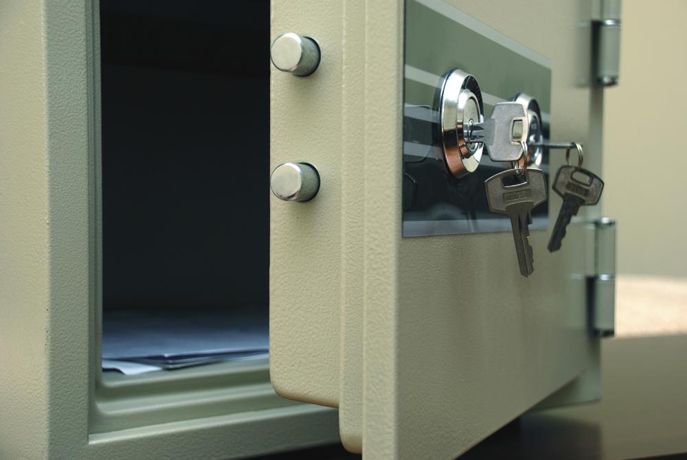 В Вологде школьница украла из сейфа отца 400 тысяч рублей