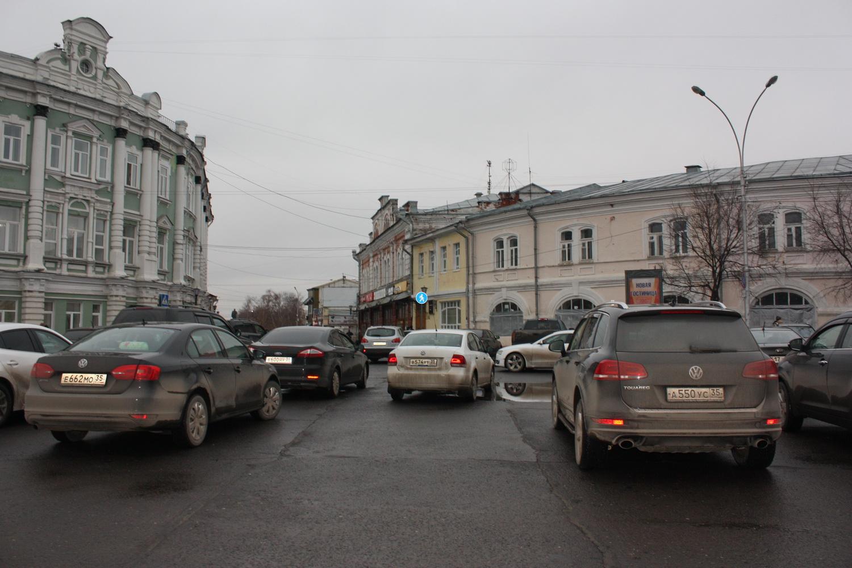 Тариф на платных парковках в центре Вологды будет около 40 рублей в час