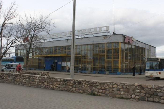 У пошатывающегося пассажира на автовокзале Череповца обнаружили наркотики