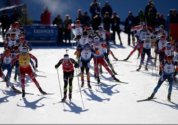 Вологжанин Максим Цветков вошёл в десятку лучших в спринтерской гонке Кубка мира по биатлону