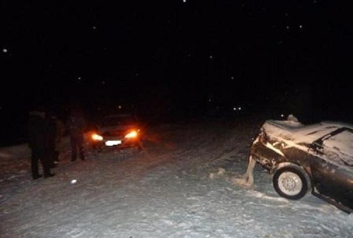 Вологодский полицейский за рулем ВАЗа врезался в стоящие на дороге машины