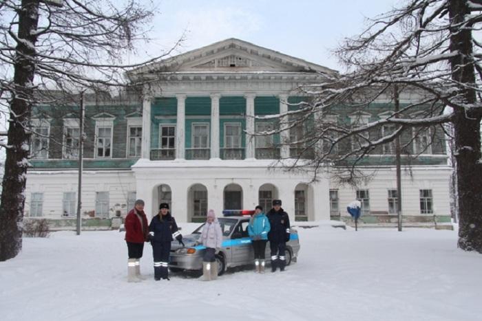 Борьба с ДТП в Вологодской области: выпущена партия валенок со светоотражателями
