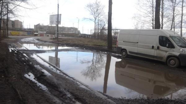 И опять ужасная дорога за домом улицы Можайского-Мишкольцская