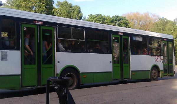 Давки в маленьких автобусах 6 и 16 маршрута