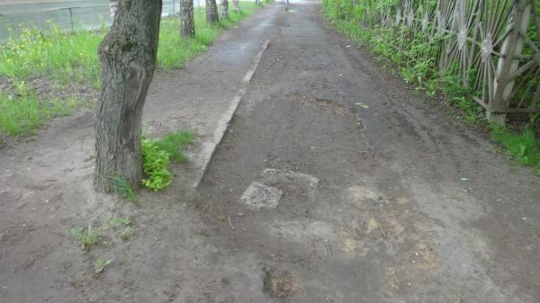 Улица Можайского: ужасные тротуары!