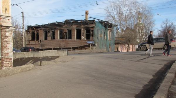 Деревянная Вологда просит пощады