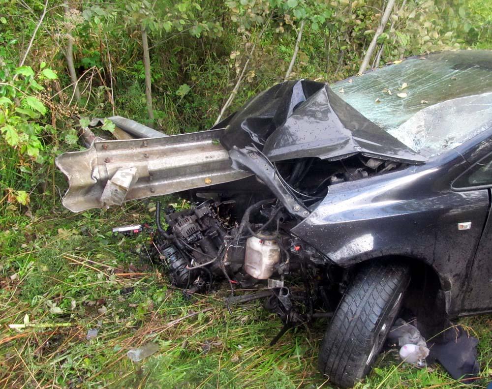 Два человека погибли на трассе под Тотьмой