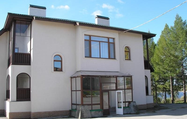 Около миллиона рублей задолжала Кирилловская гостиничная компания своим работникам