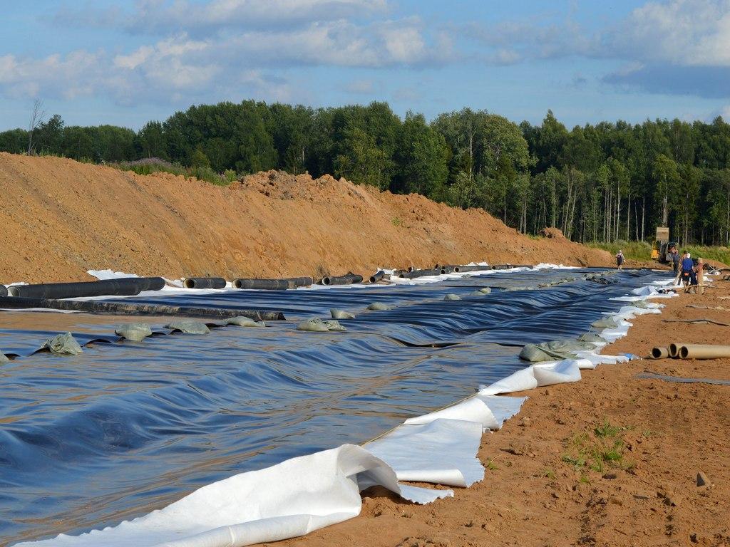 Первая очередь мусорного полигона под Вологдой уже второй год находится в завершающей стадии