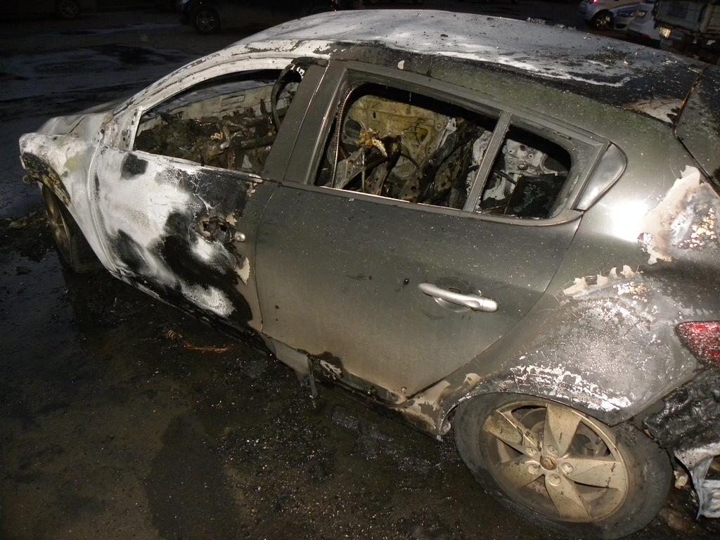 На Преминина,14 в Вологде горели сразу 6 машин
