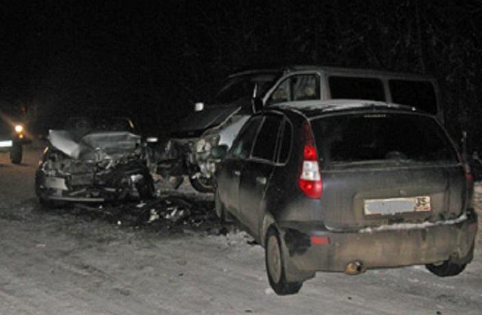 Две машины врезались в «газель» в Вологодском районе