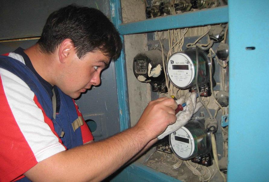 Предприниматели обманывают вологжан, предлагая заменить электросчетчики от имени Вологдаэнергосбыта